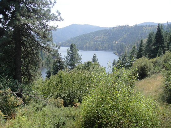 Red Horse Mountain Ranch: majestic view of one of the many lakes that surround the property