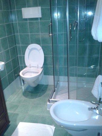 Villa Linda: Ванная комната