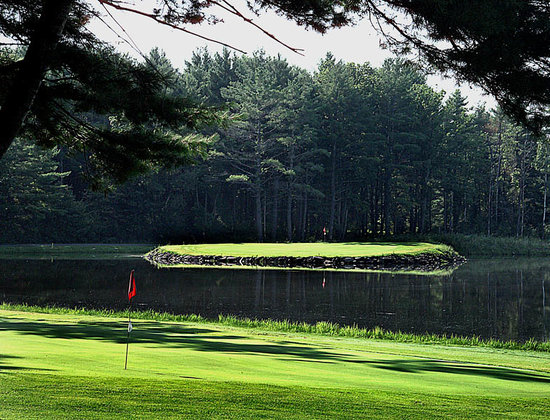 Greenville, NY: Island green 13th hole