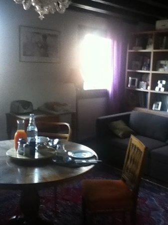 B&B Dorsoduro 461: la sala della colazione