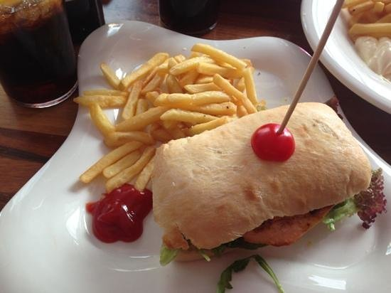 Le Diamant : Chicken sandwich
