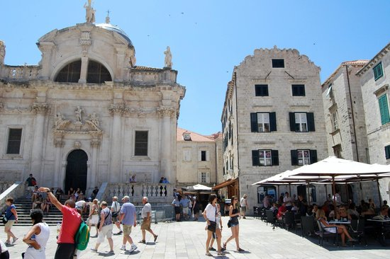 Secret Apartments Dubrovnik: The apartment is within the building on the right