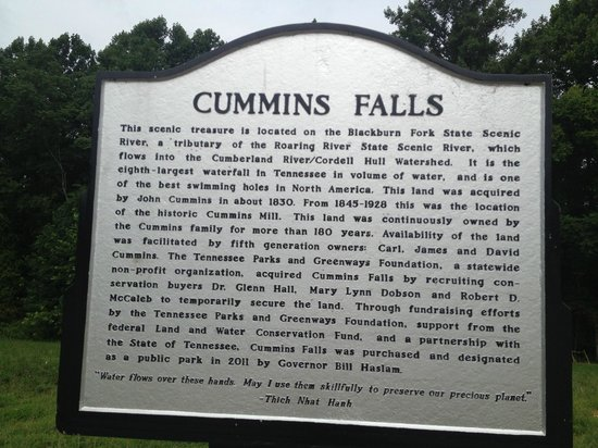 Cummins Falls State Park: Sign near parking area