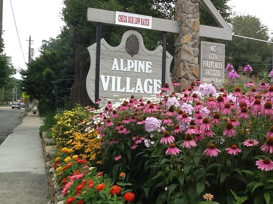 Alpine Village Inn: Beautiful landscape