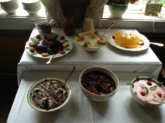 Paulsens Hotell & Cafe: yummy deserts all home made