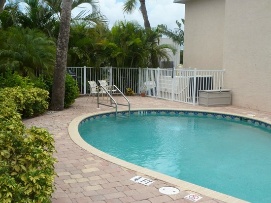 Minorga on the Key Village Condos: Heated Pool