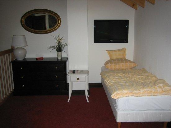 Hotel Chez Jean : Upstairs bedroom