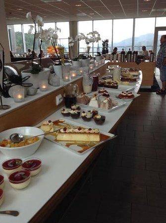 Utsikten Hotell: delicious deserts