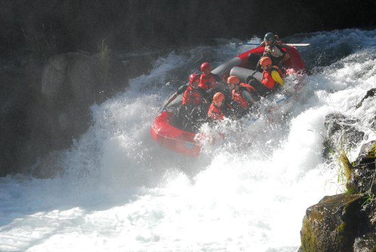 Wildwater River Guides: Going over the falls