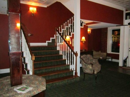 The Franklin-Pearson House: stairs to second floor