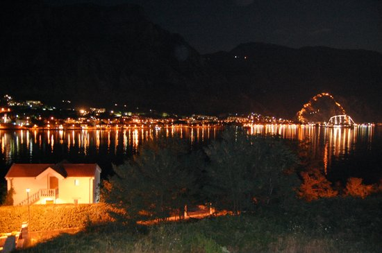 Hotel Galia: Night View From Balcony