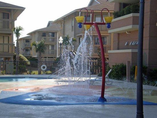 Tilghman Beach & Golf Resort: Dancing water
