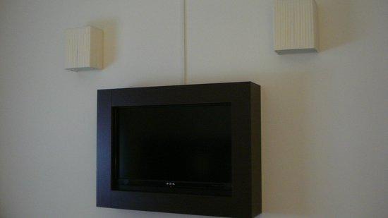Hotel Executive: tv