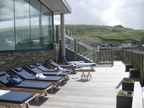 Watergate Bay Hotel: Pool terrace