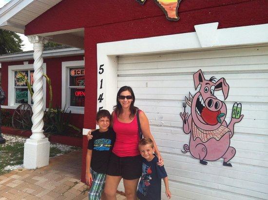 Smokin' J's Real Texas BBQ: Outside view