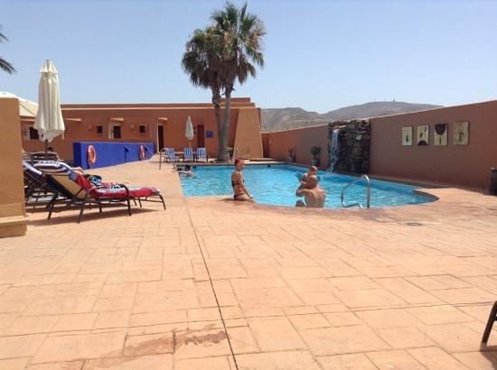 Hotel de Naturaleza Rodalquilar Spa Cabo de Gata: pool at the hotel