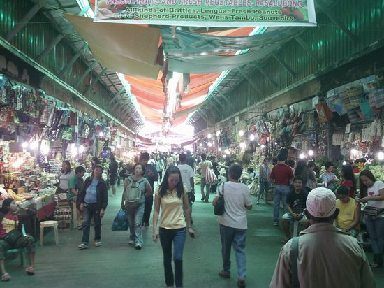Baguio City Market: Bustling even on a weekday.