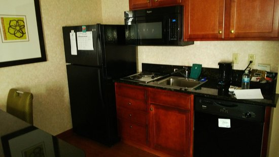 Homewood Suites by Hilton Minneapolis - Mall of America : Kitchen area