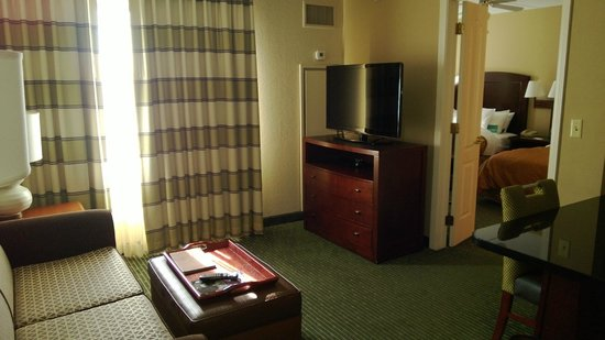 Homewood Suites by Hilton Minneapolis - Mall of America: TV and sitting area