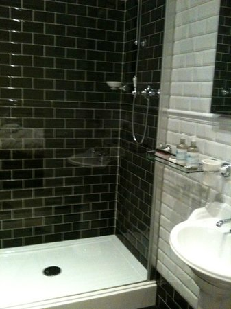Rooms36 gorgeous bathroom