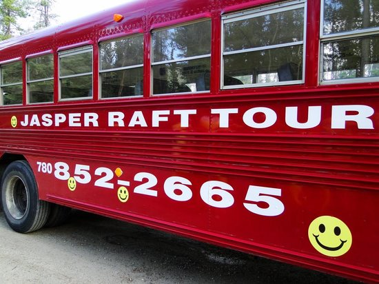 Jasper Raft Tours : Bus to and from river