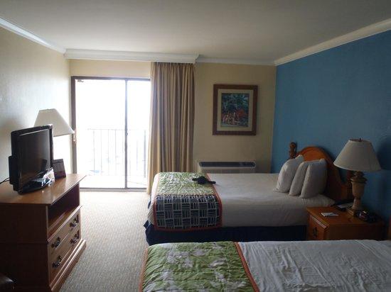 Aqua Beach Inn: Room