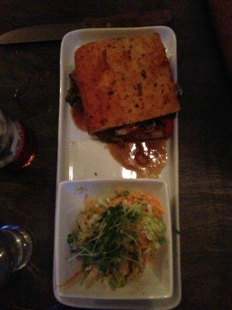 Chez Eric Cafe Bistro : Beef sandwich