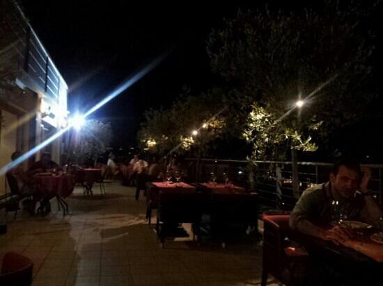 Il Wine Bar: location