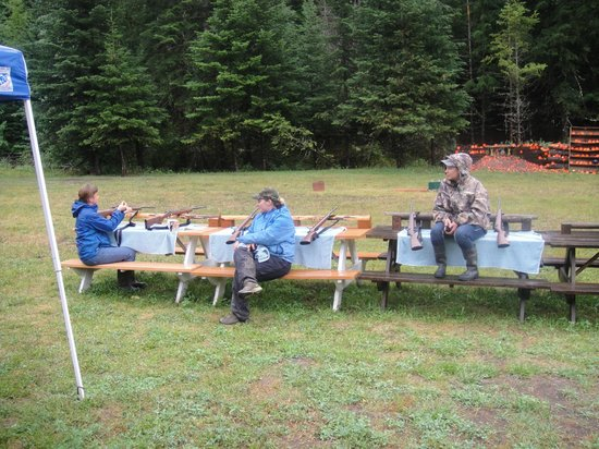 Red Horse Mountain Dude Ranch: safety talk on plinking