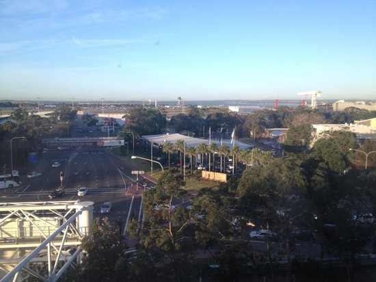 Stamford Plaza Sydney Airport: View from level 6 room (airport side)