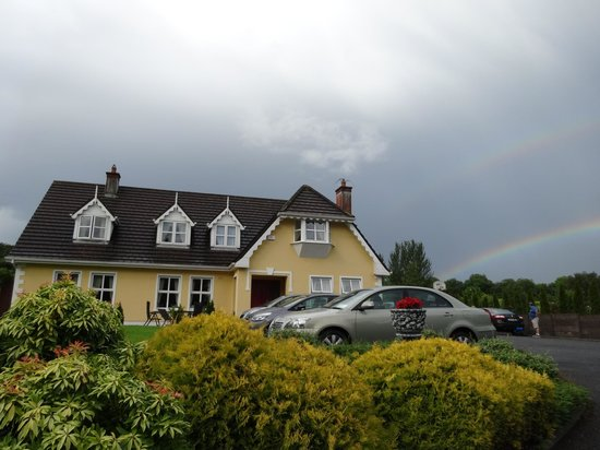 Blarney Vale Bed and Breakfast: B&B at the end of the Rainbow(s)