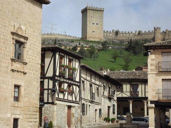 El Refugio De Don Miguel: Torre de Peñaranda y Castillo de Avellaneda