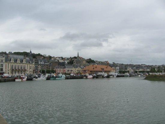 Hotel Saint James: Trouville Harbour