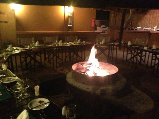 Mvubu River Lodge: Dinner time