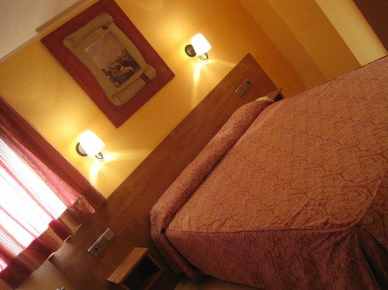 Hotel Segle XX: habitación