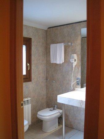 Hotel Segle XX: baño