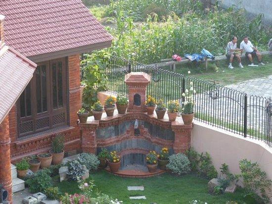 Himanshu Homestay: Fountain