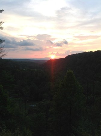 Above the Rest Cabins: sunset from Crazy Horse deck
