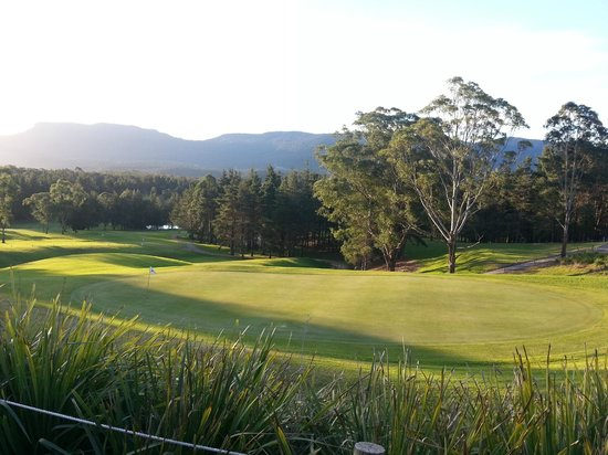 Kangaroo Valley Golf & Country Resort: View from our deck.