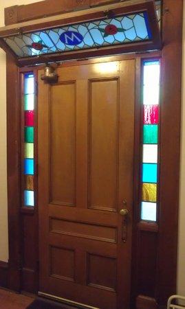 Maplecroft Bed And Breakfast: Maplecroft front door