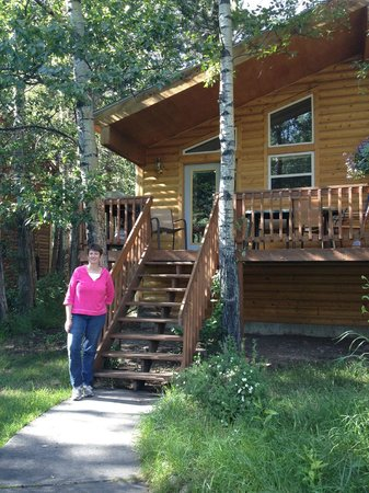 Riverview Pines: Cabin 8 - shady patio