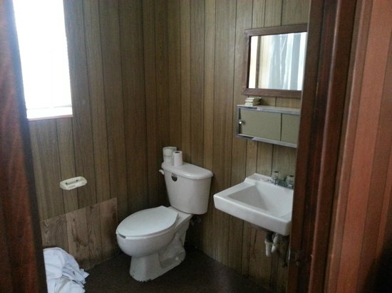 Little Ted's Cottages: Bathroom
