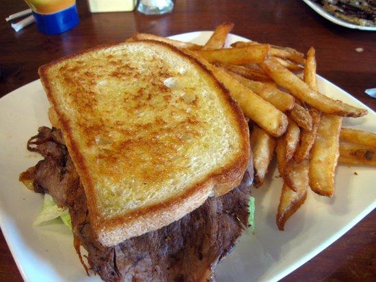 Riverstone Family Restaurant: Roast Beef Sandwich