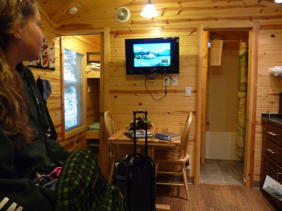 Bar Harbor Campground KOA: inside deluxe cabin 805