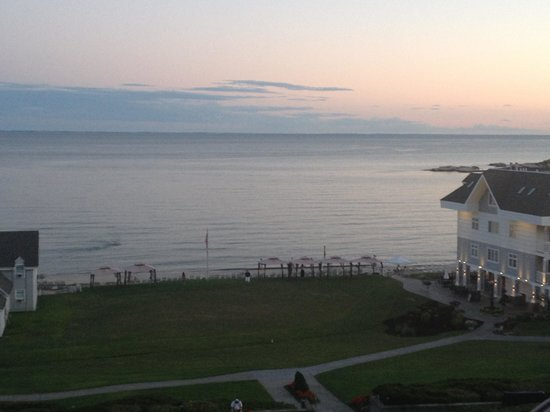 Water's Edge Resort & Spa: Evening view from Room 205!