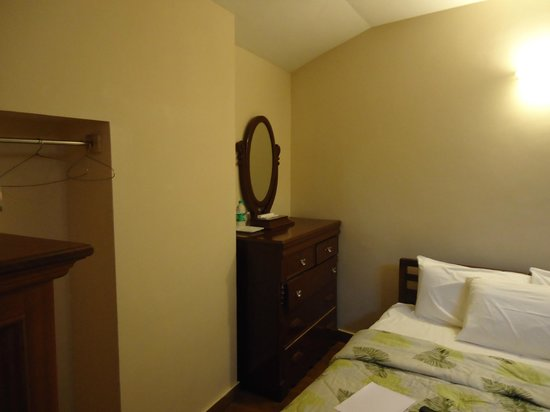 Villa Retreat: Room