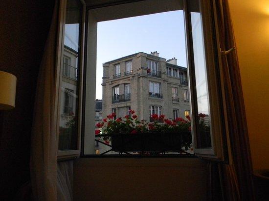 Eiffel Saint Charles: View