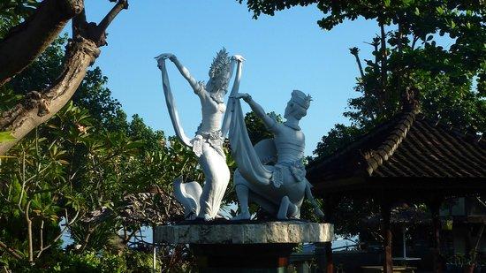 Bali Taman Resort & Spa: jardin