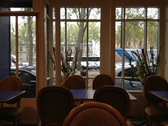 A l'Hotel des Roys : Breakfast area