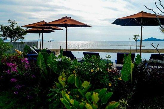 Luwansa Beach Resort: Picturesque